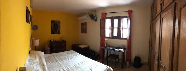 KER ERMINIA - Yellow Room