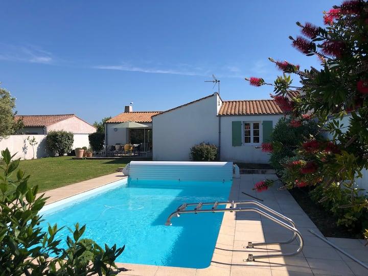 Villa piscine chauffée La Noue Sainte Marie de Ré