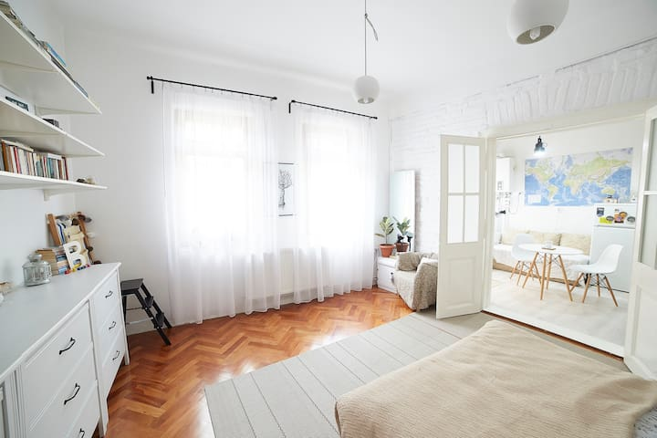 Comfy White Home in the City Centre - Cluj-Napoca - บ้าน