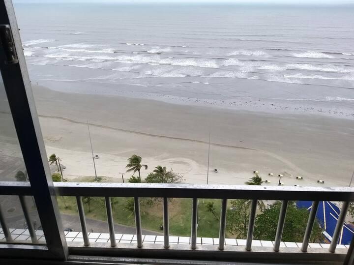 Apartamento na avenida Beira mar de Peruíbe