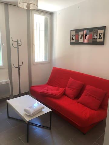 Studio chaleureux, plein centre-ville de Narbonne