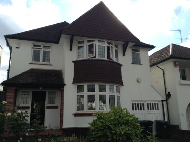 Cozy studio flat in Winchmore Hill N21, Zone 4 - Londen - Appartement