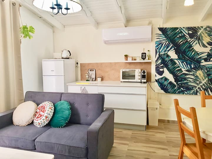 Sunshine Suite Boutique - Only 5 Min To The Beach!