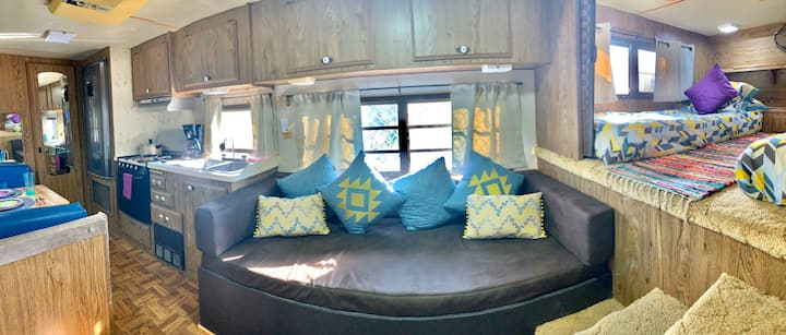 Pal'mar, vintage boho RV (Two Twin Size Beds)
