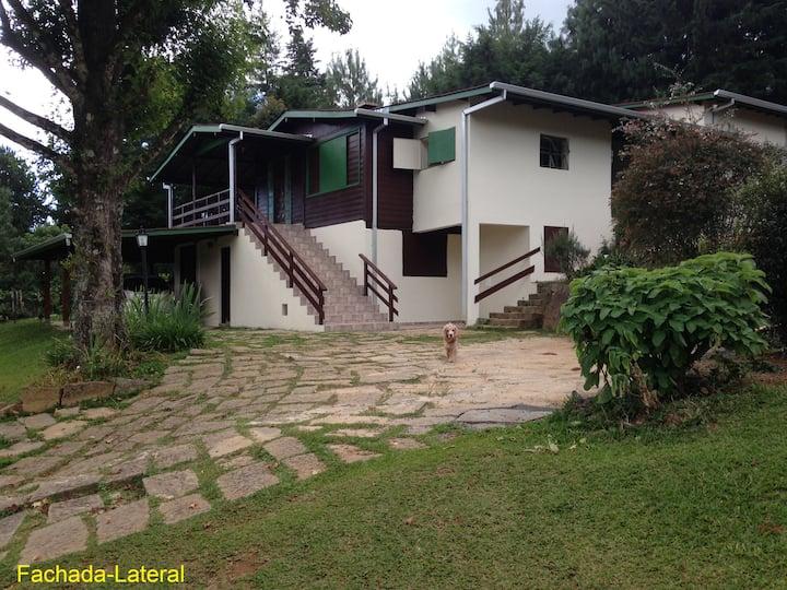 Casa em Monte Verde com vista privilegiada