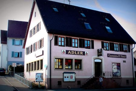 Adler Heimsheim - Bed & Breakfast
