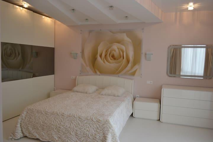3-к комфортабельная квартира - Nowosybirsk - Apartament