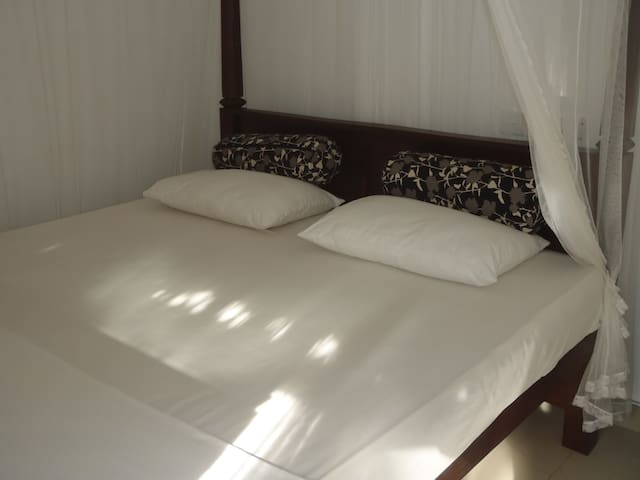 New Jaya Villa Room 3