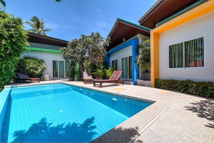 Modern 2 Bedroom & Pool, Quiet Area