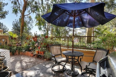 Cozy 2 bedroom Town Home - Rancho Santa Margarita