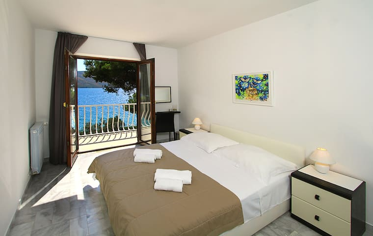 Luxury villa next to the beach with a great view