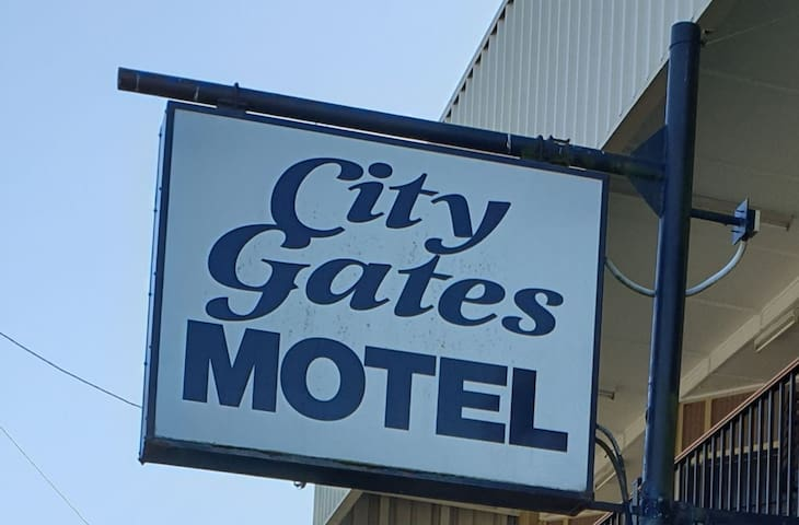 CITY GATES MOTEL Small dog friendly room.