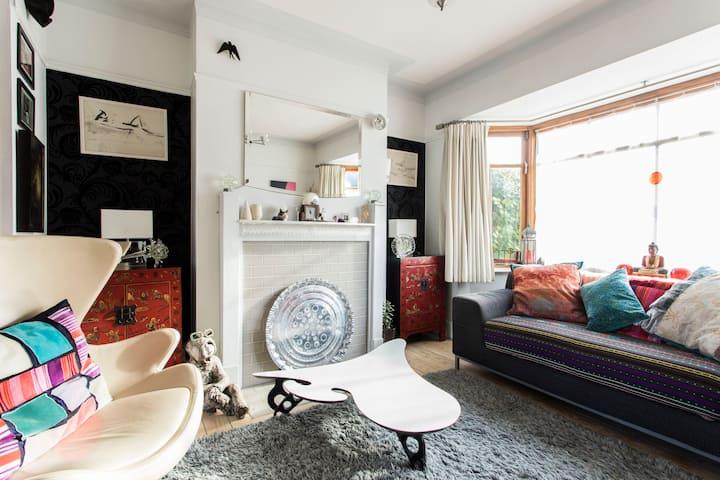 Large sunny double bedroom & luxury bathroom