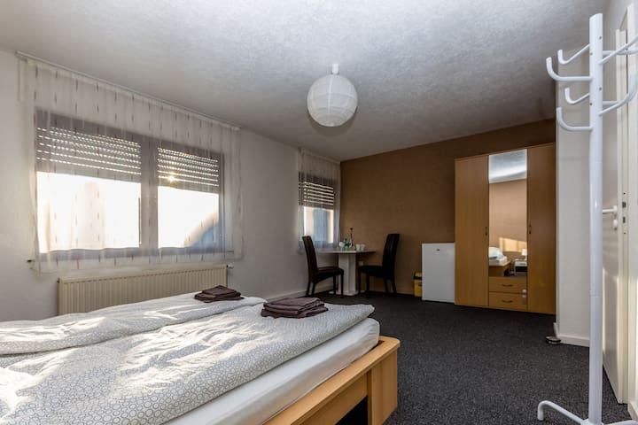 Gästehaus in Grenznähe-Privat Zimmer-3.