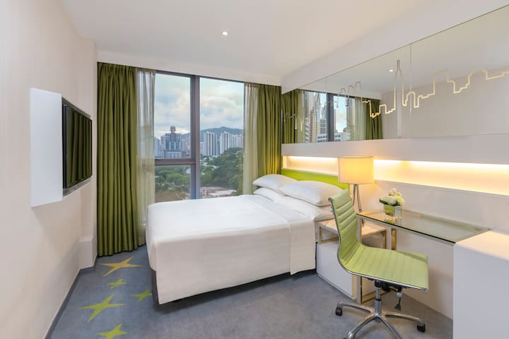 Dorsett room with double bed - Free Wifi+Pool+Gym