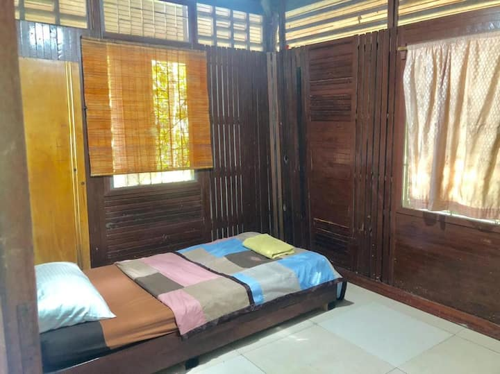 Single Stay in the nature by Anu Hut on Hill