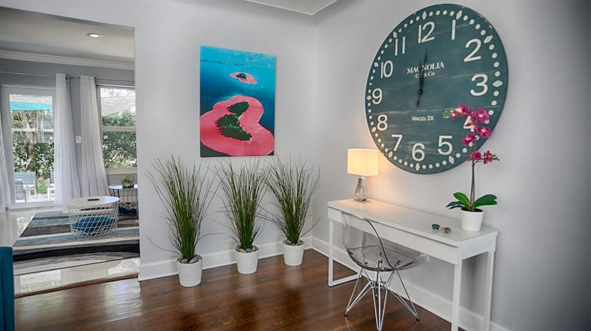 Modern Miami Family Home Mins from The Beaches
