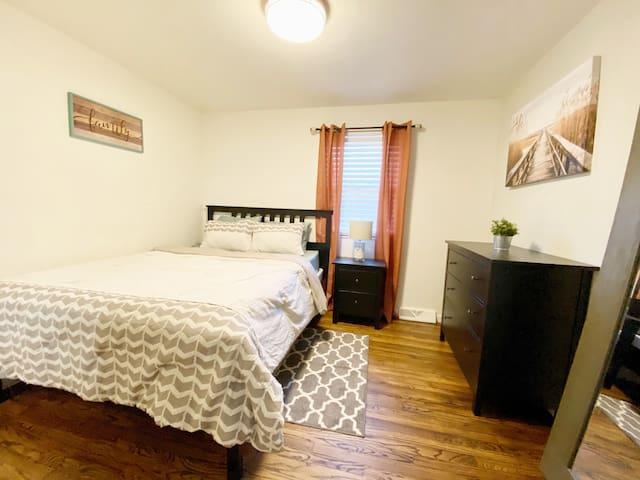 Ritzy Ranch Queen Room