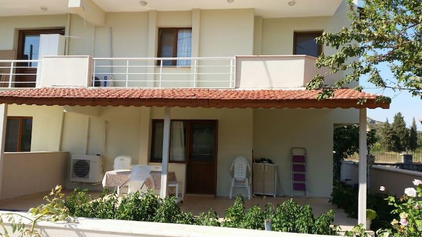 sakin huzurlu tatil için - Seferihisar - House