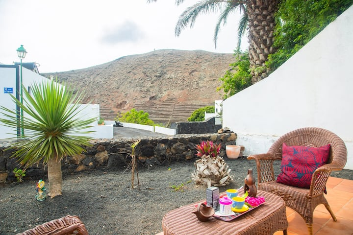 Casa Rural Yeyo in the volcano crater