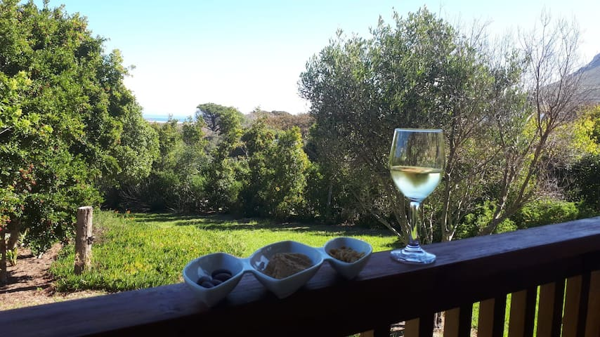 Caledonia Cottage- enjoy tranquility and beauty