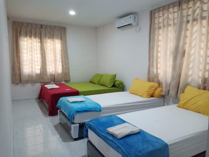 11min walk to downtown, 3BR for 10pax, FreePickup