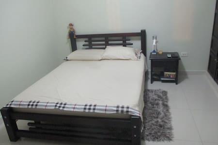 Apartaestudio cómodo y central en B/ventura - Buenaventura - Apartemen