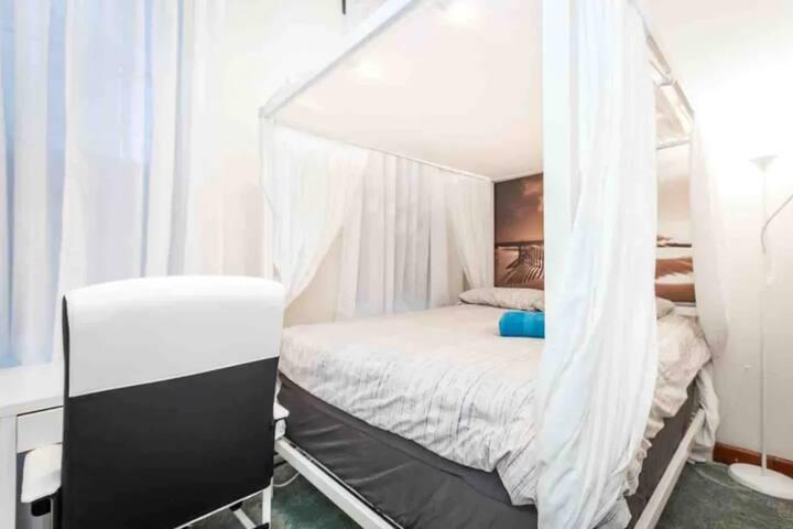Private Bedroom | Manhattan Center