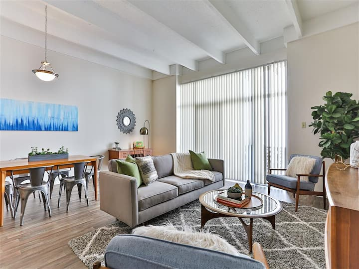 Professionally maintained apt | 2BR in Phoenix