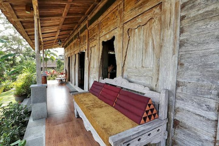 Joglo 2 bedrooms Villa Manggis