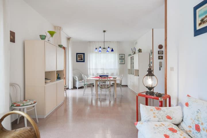 Casa con giardino,  3 camere matrimoniali,3 bagni