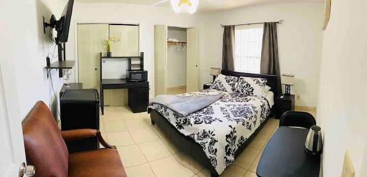 Coral Gables, habitación limpia cómoda, acogedora