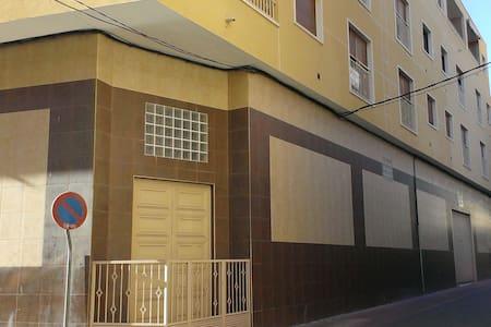 APARTAMENTO EN ALBATERA - Albatera