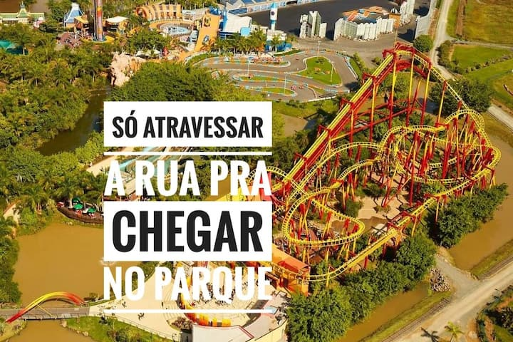 NA FRENTE DO BETO CARRERO WORLD!