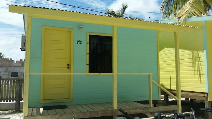 Mini Hut 160 in Barefoot Beach Resort
