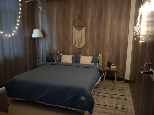 民师院旁大床房含沙发独立卫生间自助入住303