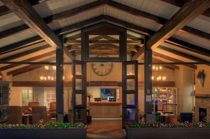 Inn at Pasatiempo - Santa Cruz - Bed & Breakfast