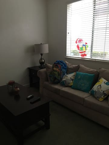 Cute and cozy furnished bedroom - Stockton - Casa