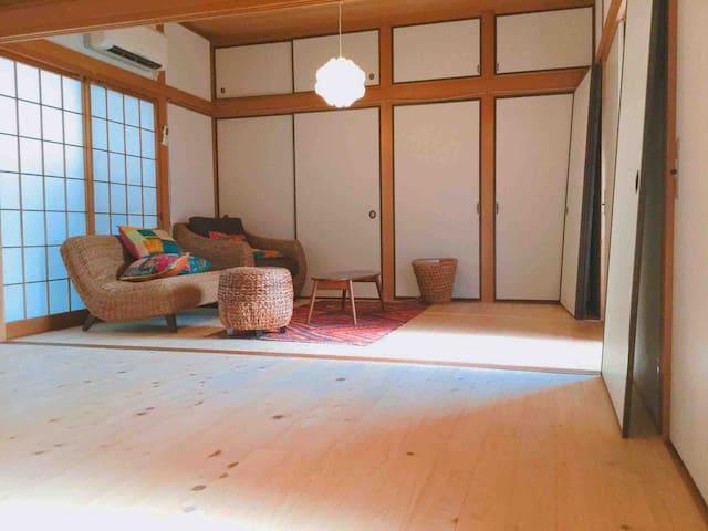 駅から7分。海まで5分。温泉まで3分。 糸島ヨガ&リトリートハウス凪個室4