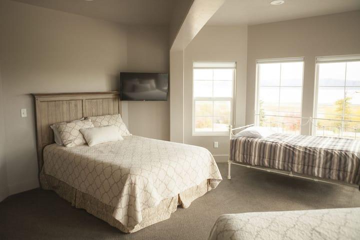 Sunrise Room #307 - at Harbor Village