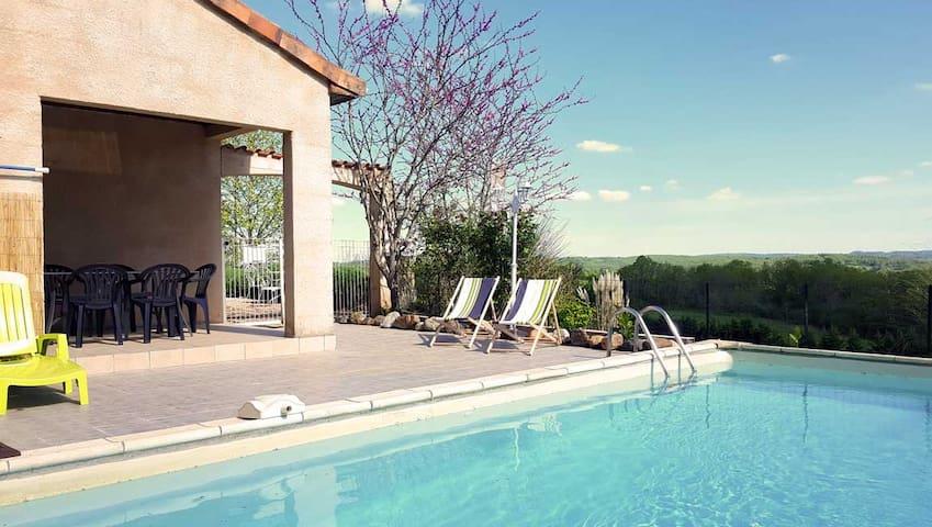 Villa avec piscine privée, environs calme Dordogne - Hautefort - Villa