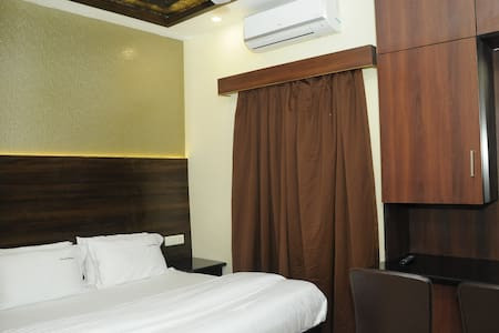 luxury stay in budget rate,