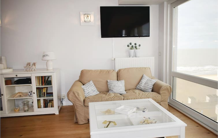 Holiday apartment with 2 bedrooms on 65m² in Oostende