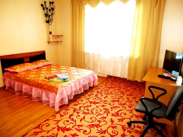 "Апартаменты ""Две Подушки"" Красноармейская,14"