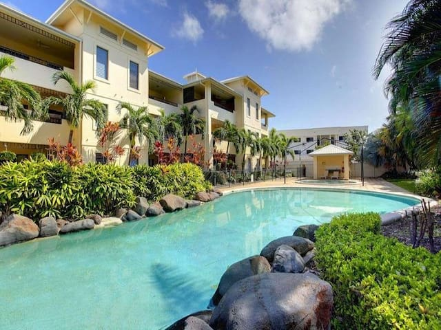 WALK TO THE STRAND, BEACH, PARKS, SHOPS & CASINO - Townsville City
