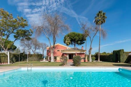 Villa Lucrecia.