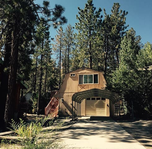 Save$$Cozy Open loft in Wrightwood FiberWiFi! A/C!