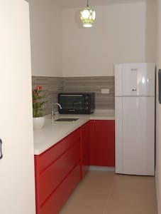 "Shaar Tikvah ""Red Dream"" Guesthouse - Rishon LeTsiyon"
