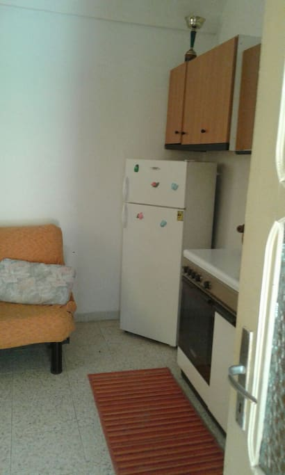 frigorifero adiacente angolo cottura