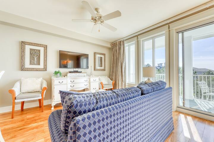 Beautifully decorated unit, Bayfront views, Minutes to the beach